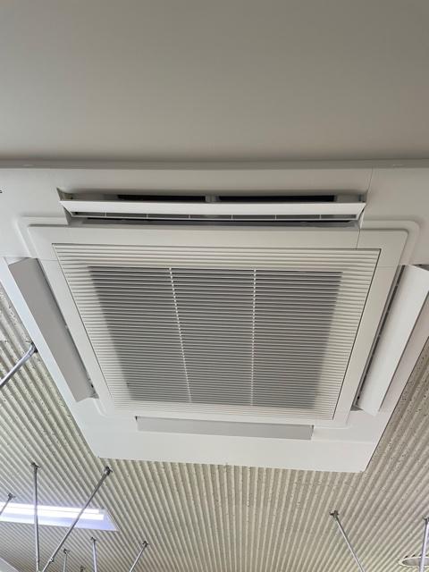 新たに空気清浄機付き空調に入替